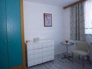 Detalj jedne sobe Doma za starije Sveta Helena